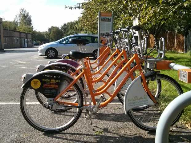 Lincoln hire bikes at Skellingthorpe